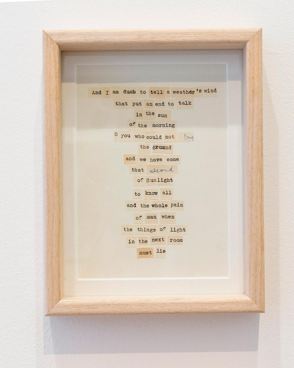 """""""The story of Alice and Joaquin"""", instalación: collage enmarcado, 22 x 17 cm, imagen enmarcada, 12 x 17 cm y caja de metacrilato, 8 x 16 x 8 cm. Marla Jacarilla, 2017"""