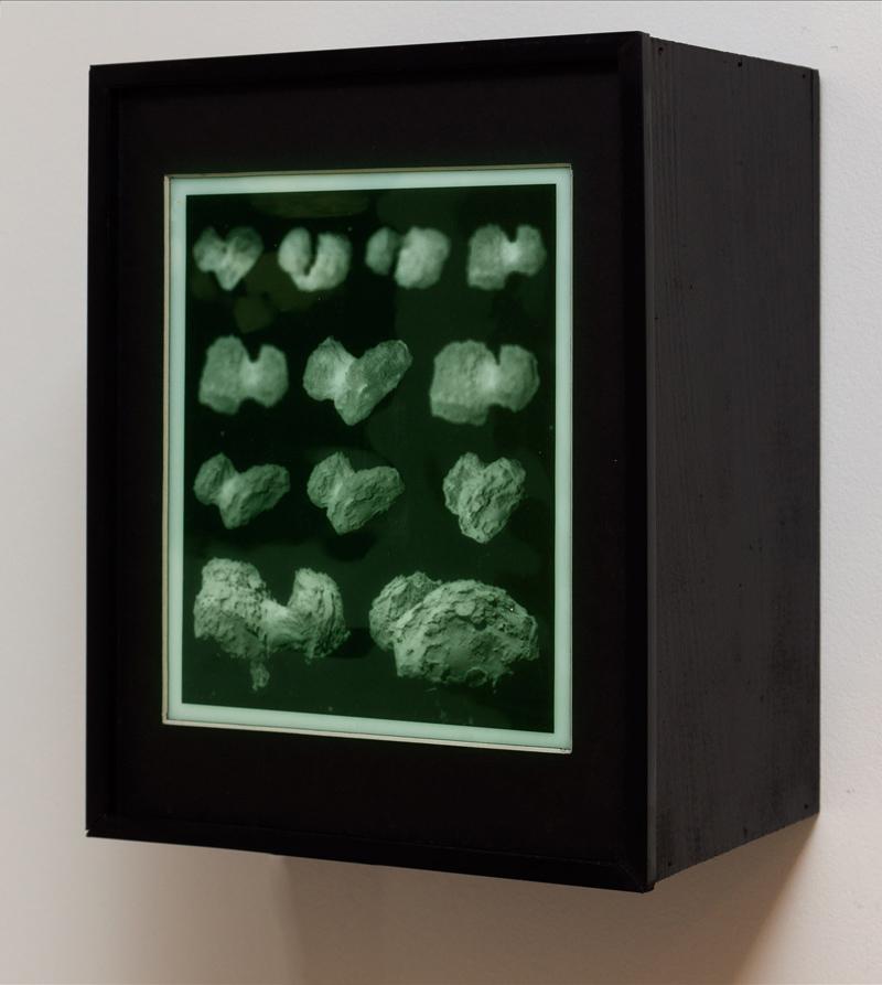 """""""Rosetta"""", caja de luz con imágenes superpuestas, 27x20x35 cm. Salim Malla, 2015"""