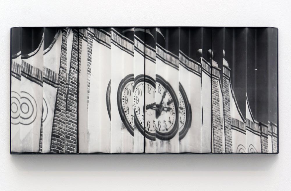 """""""Plan Marshal"""", fotografía analógica montada sobre bastidor con ángulos, 48x24x5 cm. Salim Malla, 2015"""