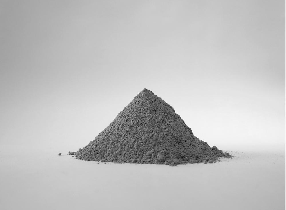 """""""Ceniza"""", fotografía analógica impresa, 20x25 cm. Tito Pérez Mora, 2013"""