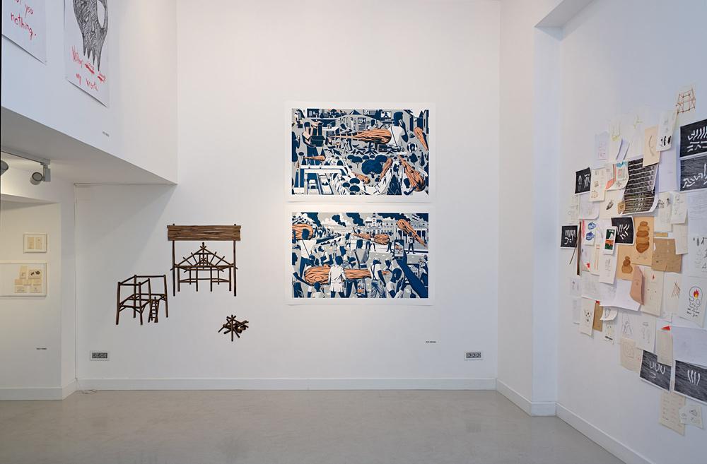 """""""Tribuna"""", """"Valla"""", """"Refugio"""" y """"Fuego"""", tinta sobre papel reciclado. """"Pintan bastos 01"""" y """"Pintan bastos 02"""", tintas pigmentadas sobre papel de algodón 100%, 105 x 96 cm. Pepe Medina, 2014"""