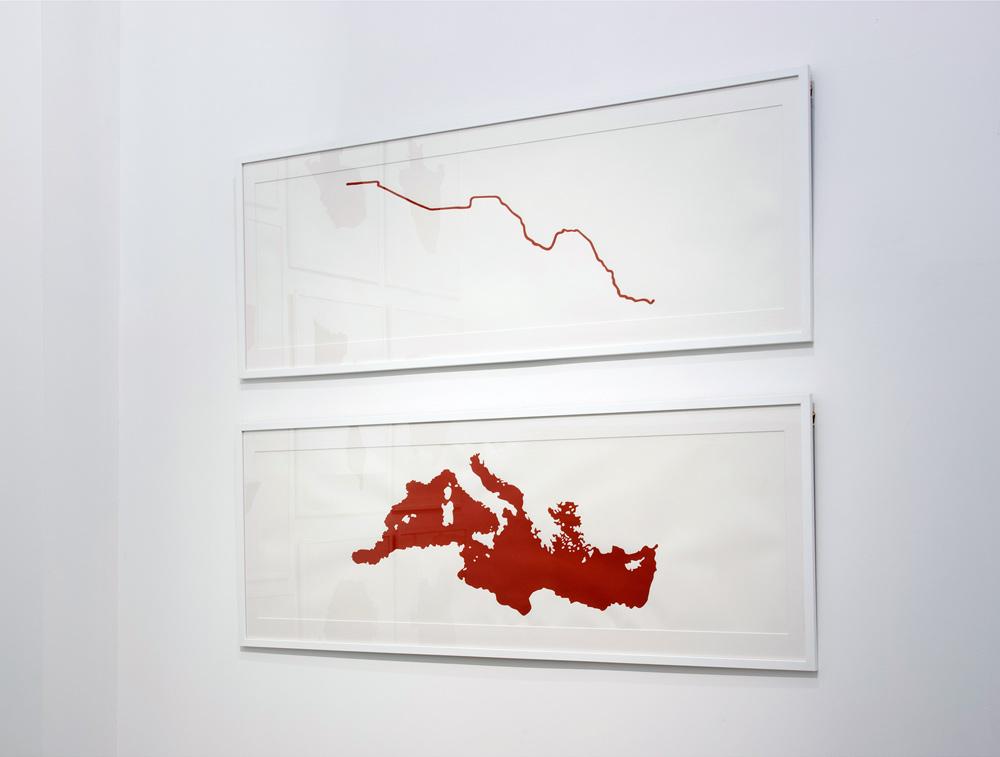"""""""Fronteras de Sangre: USA/Mexico"""" y """"Fronteras de Sangre: Europa/África"""", acrílico y lápiz sobre papel, 37x110 cm. Rosalía Banet, 2013"""