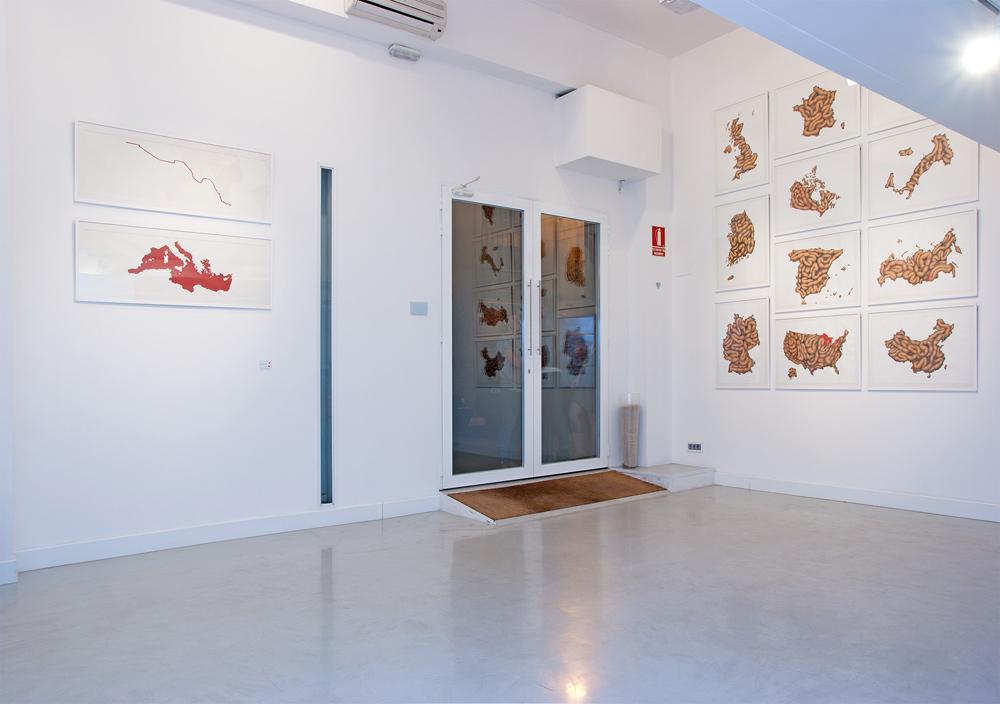 """Series """"Fronteras de Sangre"""" y  """"Black Stomach"""", acrílico y lápiz sobre papel. Rosalía Banet, 2013"""
