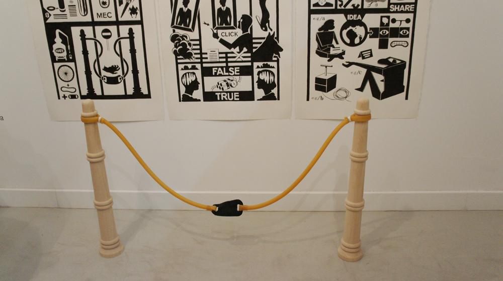 "Instalación ""Defensa"", técnica mixta, 120x80x12 cm. Pepe Medina, 2012"