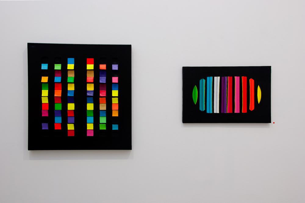 """""""Cruz I"""" y """"M2. Toroide 2″. Técnica mixta: preparación, acrílico, anilina y grafito sobre lienzo. María Viñas, 2013"""